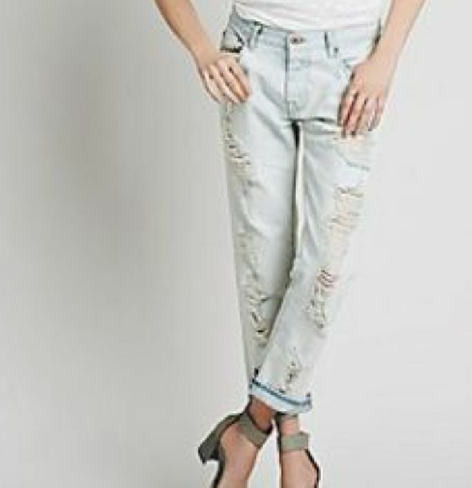 NEW Free People NSF  Boyfriend Jeans Distressed Straight Slouch 26  298