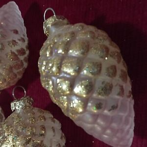 Vintage Blown Frosted Glass Pinecone Ornaments Set Of Four With Glitter Ebay