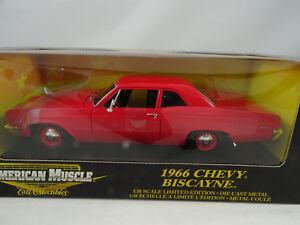 1-18-Ertl-36673-Chevy-Biscayne-1966-Rosso-Rarita