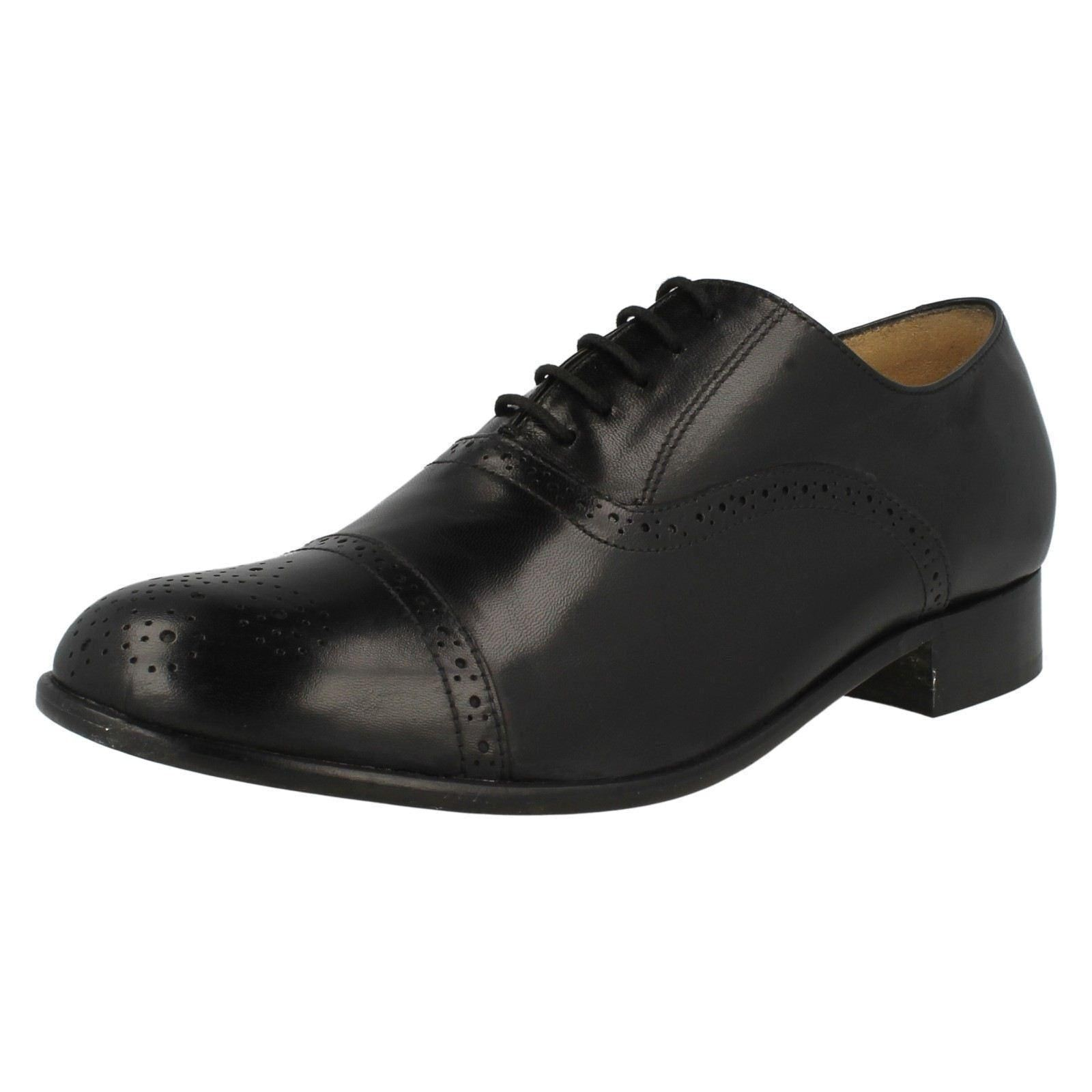 Thomas Blunt Brogue 'St Pancras' Gents Black Leather Semi Brogue Blunt Medallion Toe Shoes 4c2524