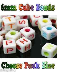 Acrilico-Singola-Lettera-A-Z-Bianco-cubo-alfabeto-Perline-6mm-MISTO-COLORI-lettera