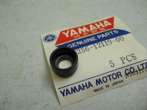 Yamaha NOS Valve Seal Stem # 256-12119-00   d-17