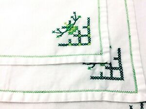 Vintage-Handmade-Napkins-White-w-Green-Cross-Stitching-Set-of-4