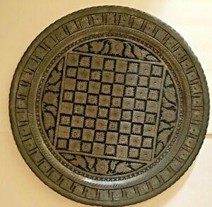 Iron-Cast-Wall-Medallion-19-Diameter-Rare-Find-Indoor-Outdoor