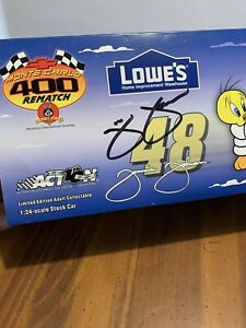 Autographed-Nascar-Jimmie-Johnson-Looney-Tunes-1-24-Scale-Action-Car-Rematch