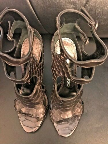 TOM FORD WOMENS CUTOUT PYTHON AND LEATHER 105MM SANDAL size 37 1//2
