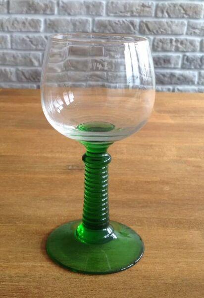 1 Römer Weinglas, Ca. 60er Jahre, Mit Grünem Fuß, 1/4l Profitieren Sie Klein