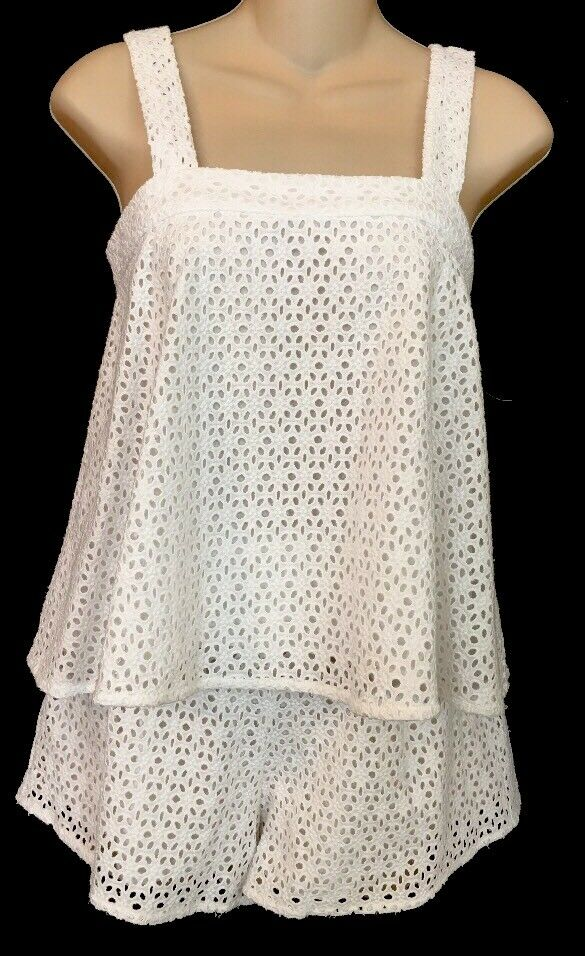 Line And Dot Shorts And White Eyelet Baby Doll Top Size Xs