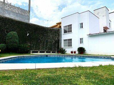 Casa en condominio con ALBERCA ! en Col. Maravillas clave CC240