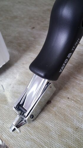 NEW STAPLE REMOVER LIFTER UPHOLSTERY TACK REMOVER YATO