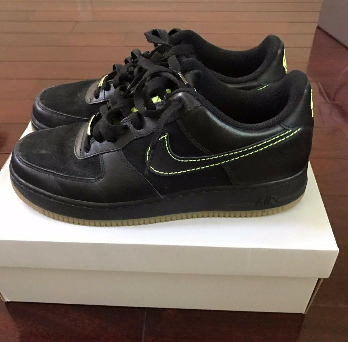 Nike Air Force One 1 Low '07 Black Volt Size 10