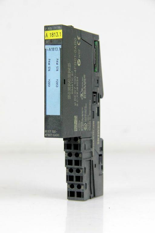 SIEMENS S7 - Analog Ausgabemodul - 6ES7 135-4FB01-0AB0 E 01 + Terminalmodul
