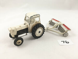 Dinky Toys # 325 David Brown Selectamatic 990 Moulé sous pression à la ferme