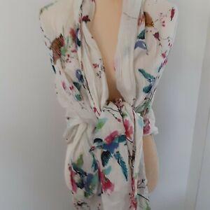 Bonobo-Jeans-birds-butterflies-scarf-69X43-feminine