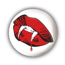 Badge DENTS VAMPIRE BOUCHE lips fangs freak horror halloween punk button Ø25 mm