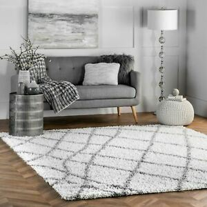 nuLOOM-Contemporary-Modern-Geometric-Plush-Shag-Area-Rug-in-White-and-Grey