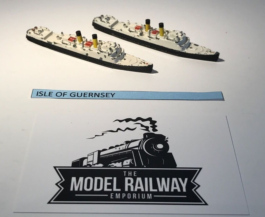 VINTAGE - TRIANG MINIC SHIPS - M723 - ISLE OF GUERNSEY X 2 UNBOXED DIECAST RARE