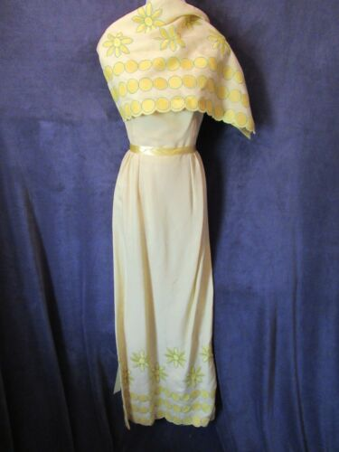 60's Vintage Yellow Green Daisy Floral Embroidery