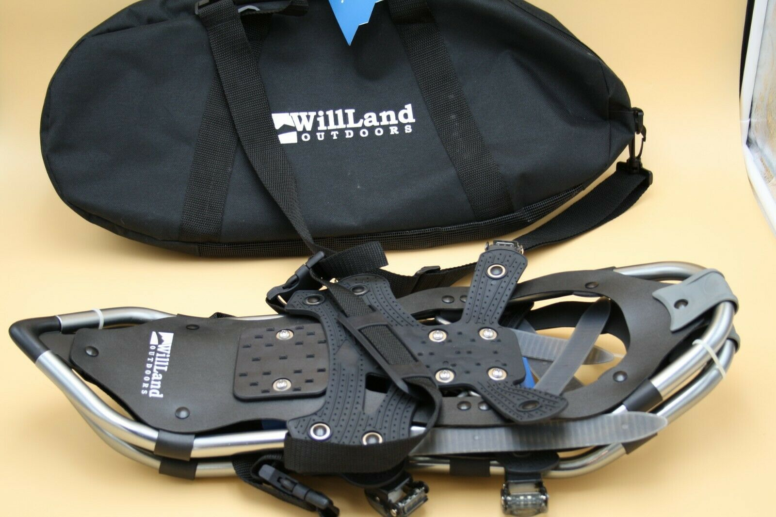 WillLand Outdoors Snowshoes NEW with carrying case   the lowest price