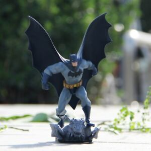 Batman-Action-Figure-DC-The-Dark-Knight-Rises-PVC-Statue-Collectible
