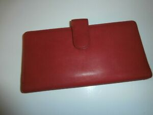 Buxton-Red-Velvet-Touch-Cowhide-Lady-Wallet-Organizer-Bifold