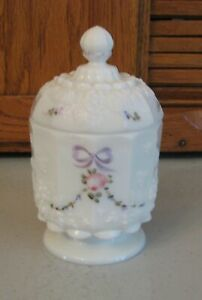 Westmoreland-Milk-Glass-Victorian-Decorated-Lidded-Candy-Jar-Dish-Paneled-Grape