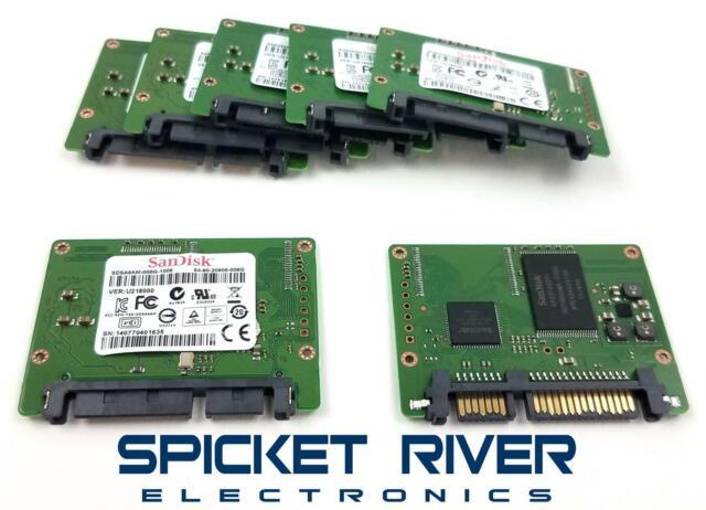 "Lot of 2 Sandisk 8GB  2.5/"" SATA  SSD Hard Drives"