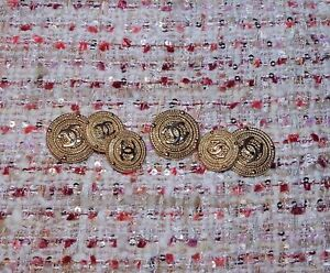 CHANEL-BUTTONS-Lot-of-6-size-20-mm-or-0-8-inch-Logo-CC-GOLD-tone-BROOCH