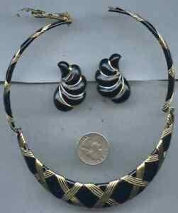 Image Is Loading Vintage Gold Tone Black Enamel Clip On Earring