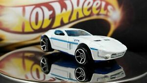 Hot-Wheels-Mystery-Cars-Ford-Shelby-GR-1-Concept-Pearl-White-and-Blue-Side-Lines