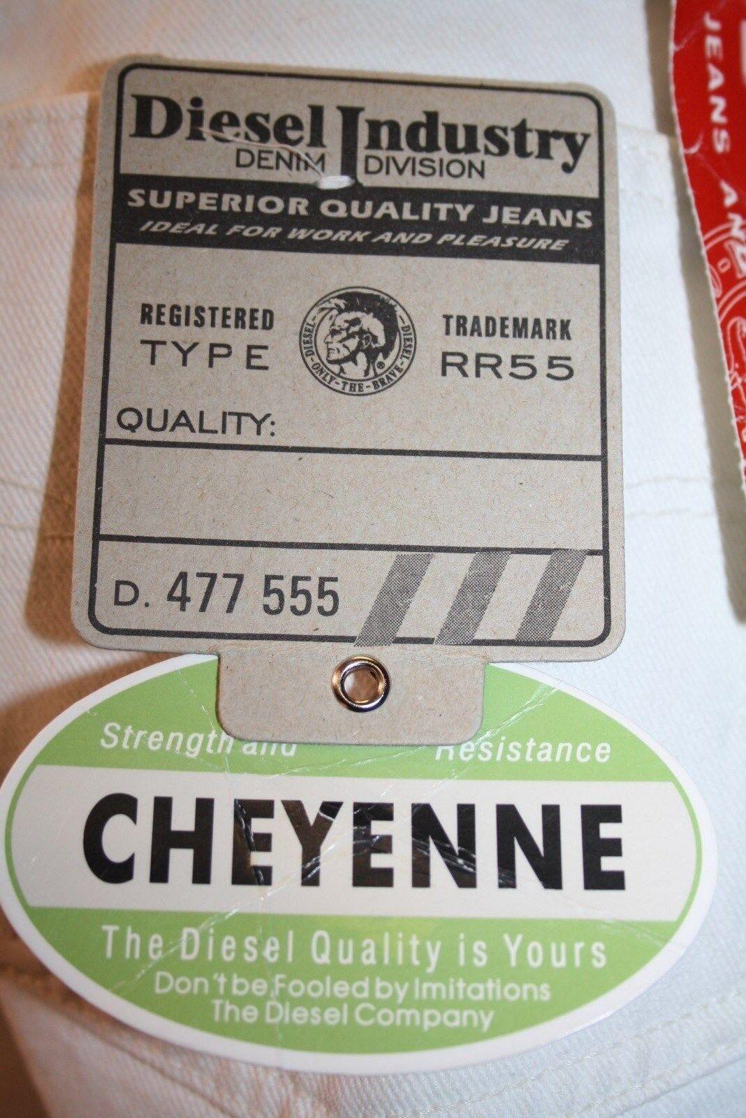 Diesel Jeans Cheyenne weiss Col. 100 neu schmaler Karedtenschnitt fester Stoff