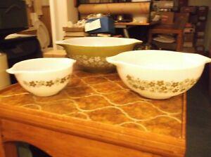 3 Pyrex Bowls #441, #443 and #444 Spring Blossom Crazy Daisy