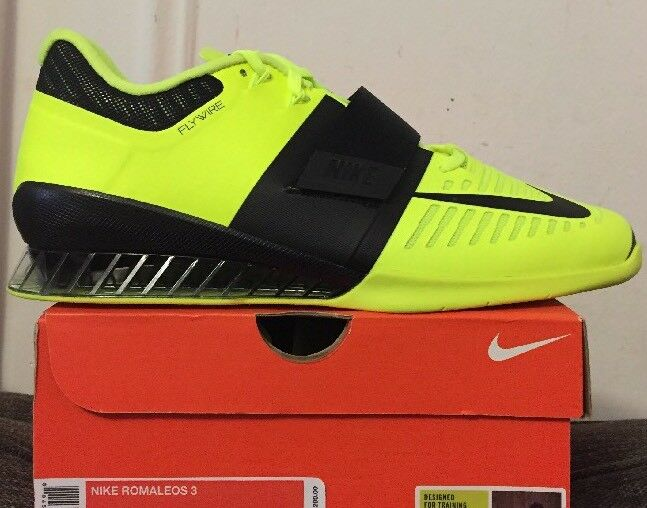 NIKE ROMALEOS 3 Weight Lifting shoes MSRP  200 Volt Black 852933-700