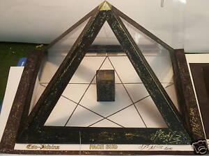 La-Pyramide-a-souhait-Magique-Esoterisme-rare-noire-GM