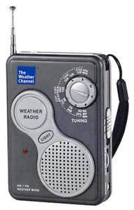 La-Crosse-809-905-AM-FM-Handheld-NOAA-Weather-Band-Radio-with-LED-Flashlig