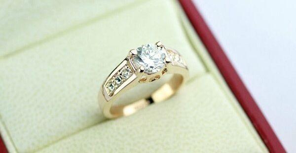 Luxury Women's Ring Rose Gold 18 K Pl. Crystal Engagement Ring Christmas Gift