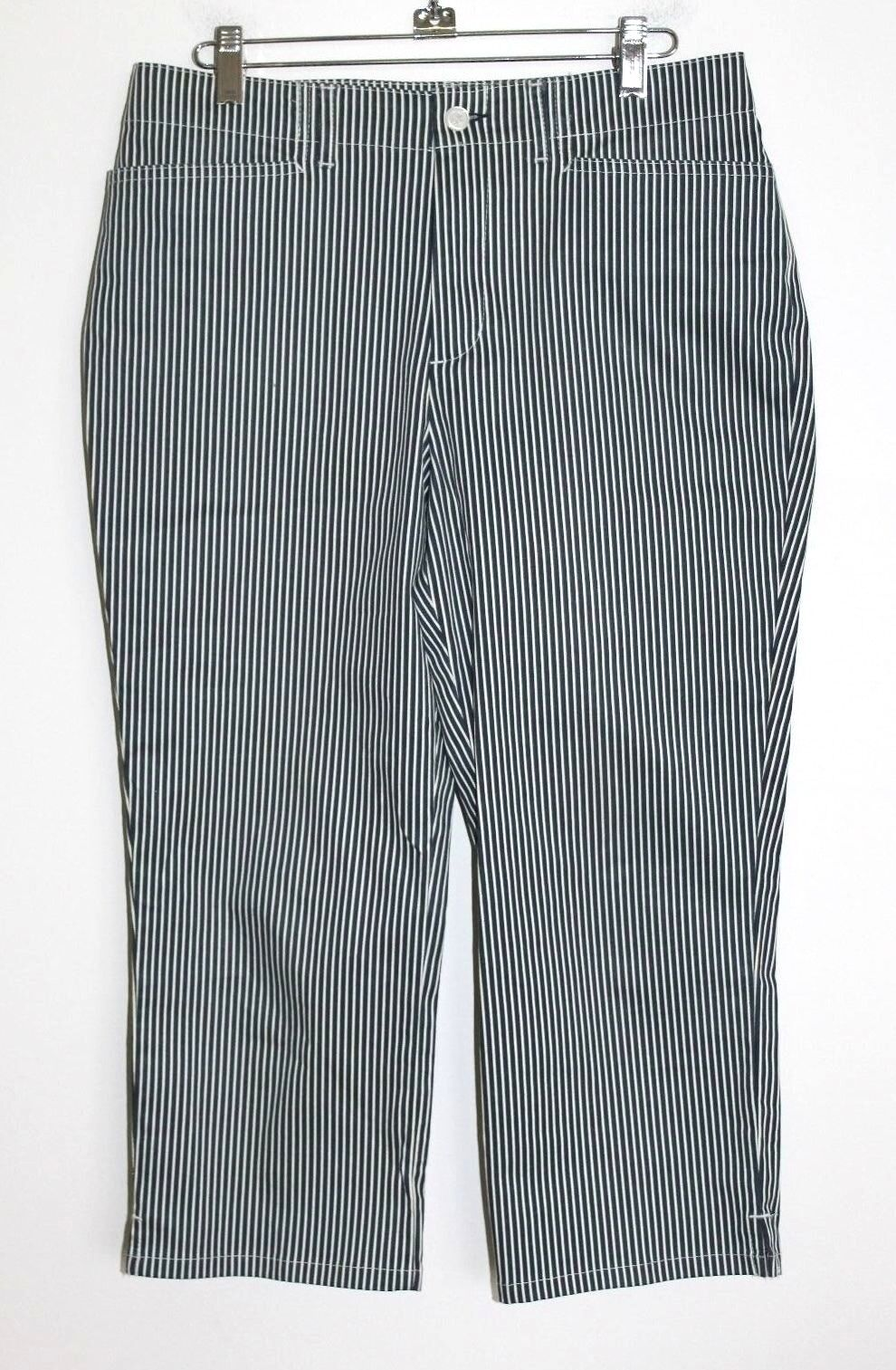 Chaps - 4 (S) - NWOT - Navy bluee Striped 98% Cotton Crop Pants