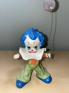 Vintage-Porcelain-Circus-Clown-With-Balloon-Lego-Made-in-Tawain