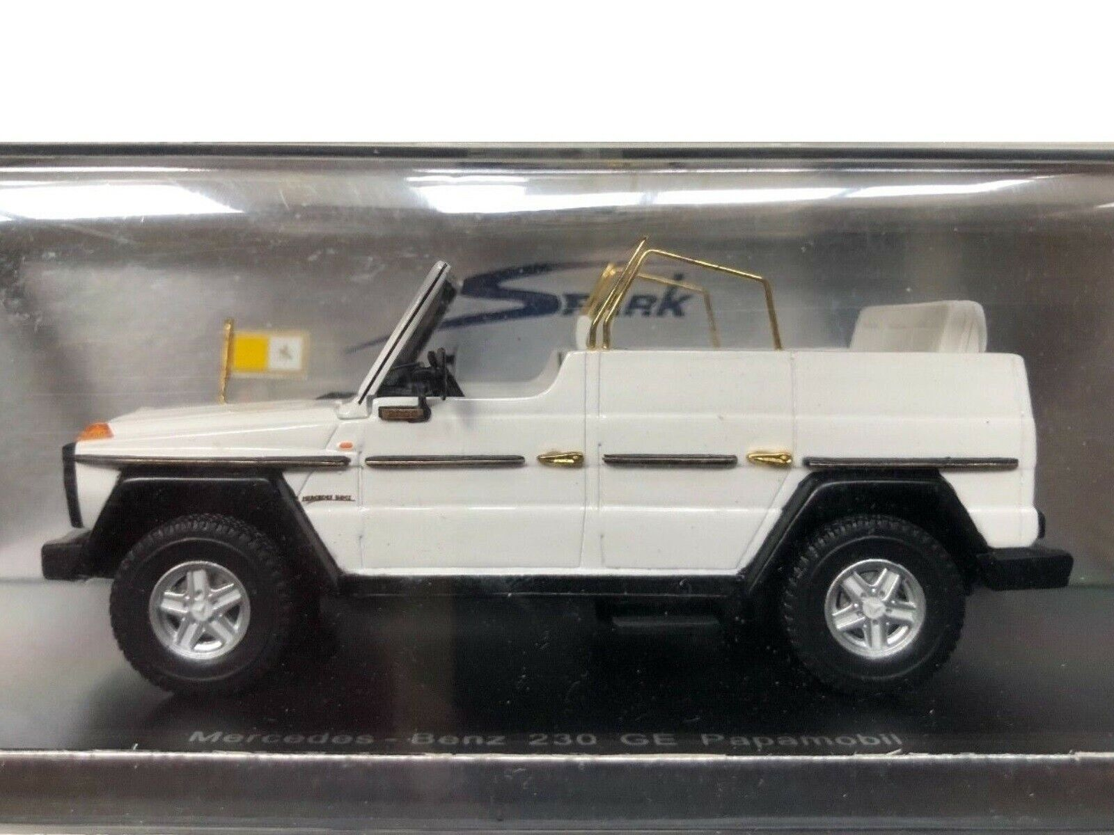 WOW EXTREMELY RARE Mercedes W460 G-Wagon 230GE SWB 1980 Papamobil 1 43 Spark-AA