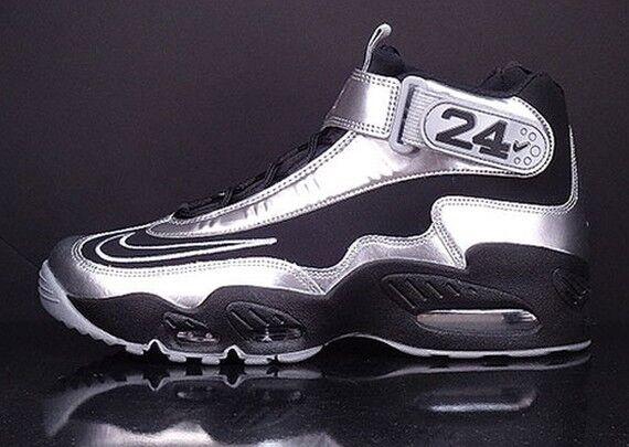 Nike Air Griffey Max 1 Black Metallic Silver Size 10. 354912-011 Jordan Ken Jr