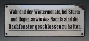 Kurioses-Emailschild-Waehrend-der-Wintermonate-bei-Sturm-und-Regen-um-1935