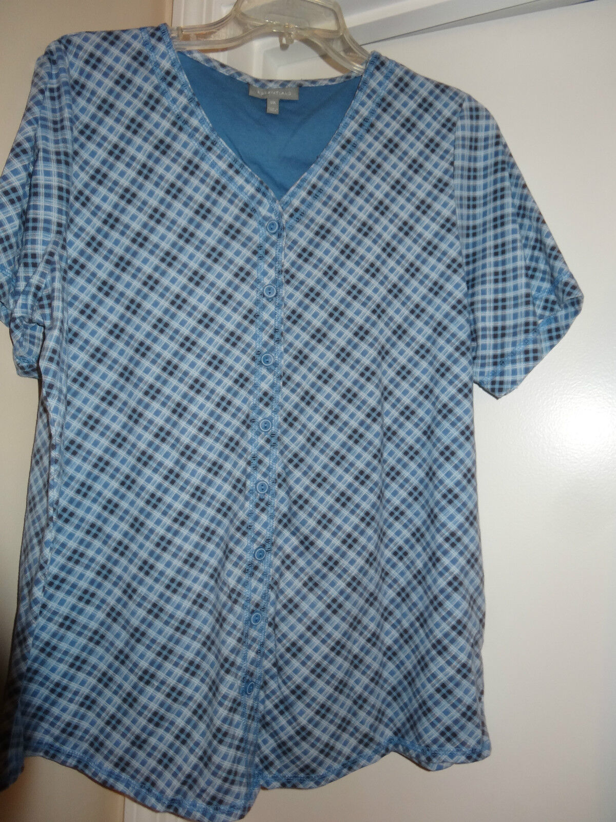 ESSENTIALS   Blau & schwarz Plaid Short Sleeve Top  Größe 1X