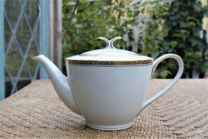 Vintage-NORITAKE-ASHLEIGH-Porcelain-White-Gold-TEAPOT-6-034-Tall-4-cup