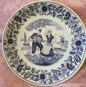 Vintage-DELFT-Plate-ROYAL-SPHINX-Accordian-Player-Plate-Blue-white-Maastricht