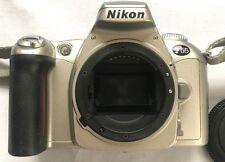 Nikon F55 Cámara 35mm SLR Película Solo Cuerpo
