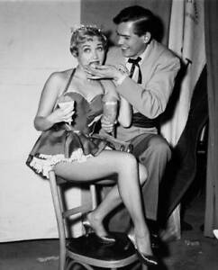 Actress-Jane-Powell-And-Singer-Johnnie-Ray-Try-The-Popcorn-At-A-Party-OLD-PHOTO