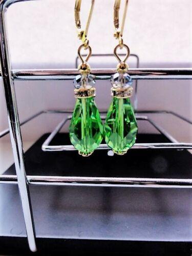 Böhmische Kristall Perlen 15 mm Facettiert Tropfen Ohrringe Ohrhänger in Grün