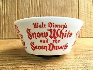 1938 Walt Disney's Snow White & The Seven Dwarfs Fire King Vitrock Bowl Vintage