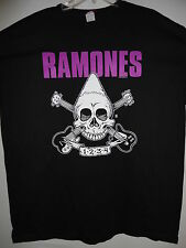NEW - RAMONES BAND / CONCERT / MUSIC T-SHIRT EXTRA LARGE