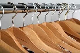 WOODEN-HANGERS-12-PCS-NATURAL-COLOR-Hang-PANT-SHIRT-DRESS-Best-Price-Ebay